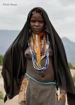 Chica de la etnia Arbore, © Carlos Manzano (http://www.carlosmanzano.net)