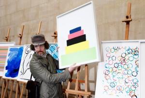 Martín Creed (la foto viene de http://www.zimbio.com/pictures/bjoNfiAYFU2/Unveiling+Official+Olympic+Paralympic+Posters/xyEiZJK84AW/Martin+Creed)