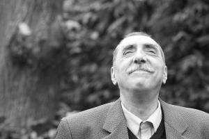 Alfredo Fressia, poeta, cronista, traductor y crítico literario