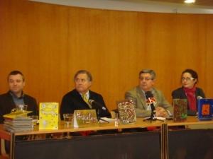 De izquierda a derecha: Coordinador de Formación de la cárcel de Daroca, Presidente de Cruz Roja Española en Zaragoza, Director de la cárcel de Daroca, Subdirectora de la cárcel de Zuera
