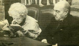Pinillos con su mujer Margarita Sanjuán en su última lectura pública