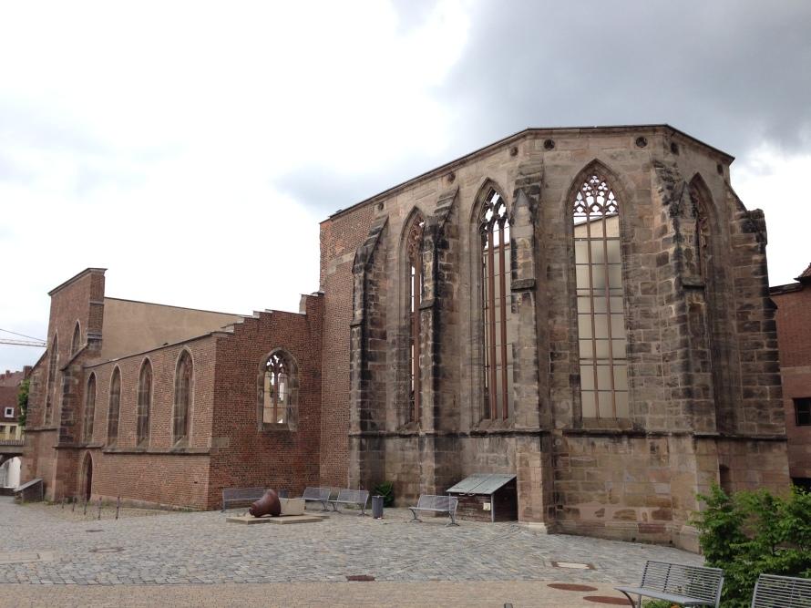 Ruinas de la Iglesia de Santa Catalina de Núremberg. Allí es examinado y suspendido Wagner-Walther (c. Manuel Águila, 2015)