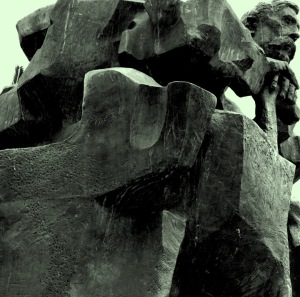 Galdós, escultura de Pablo Serrano